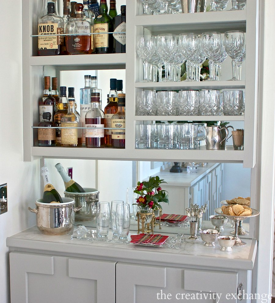 Diy narrow built in bar for Built in wall bar ideas