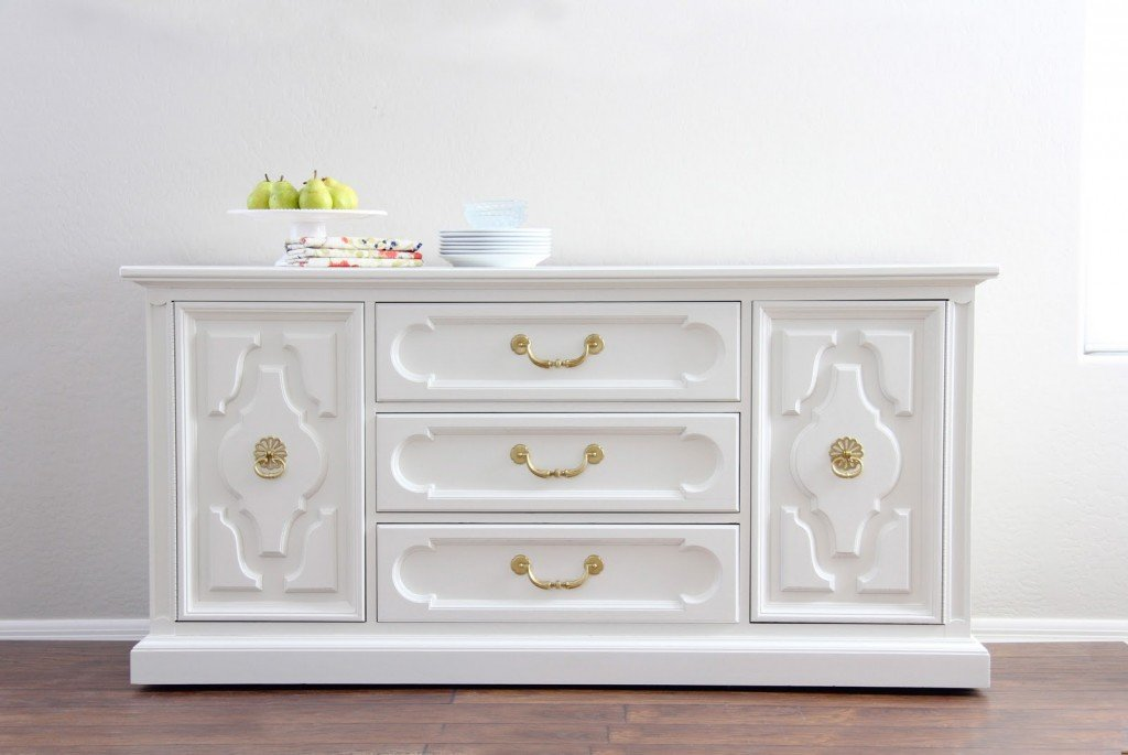 Console Painted With White Dove From Benjamin Moore 16 Favorite Furniture Paint Colors