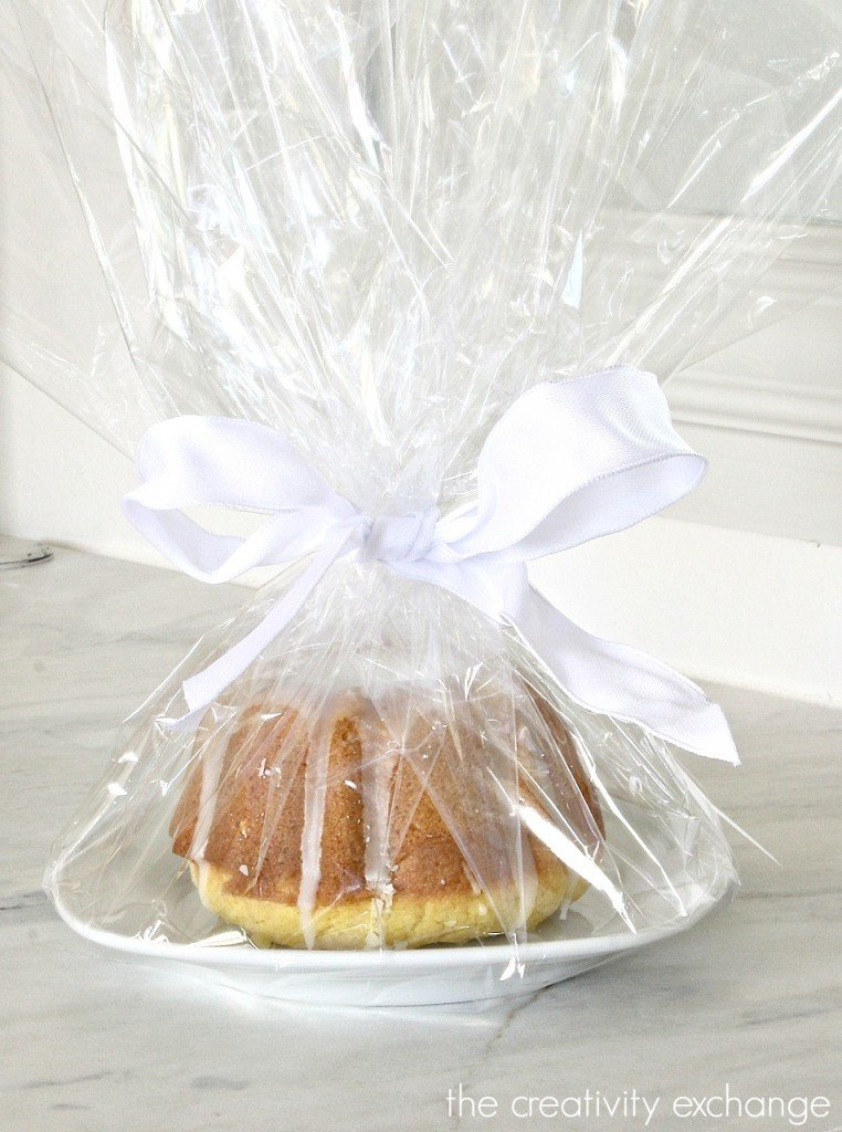 Recipe for Lemon Blossom Mini Bundt Cakes and a fun way to give them as baked sweet treats.