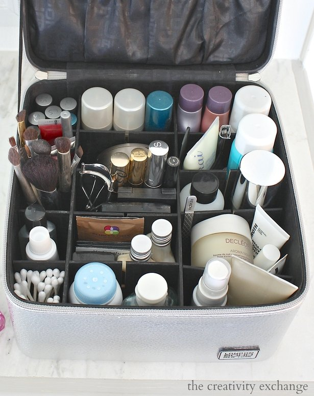Travel organizer for beauty products