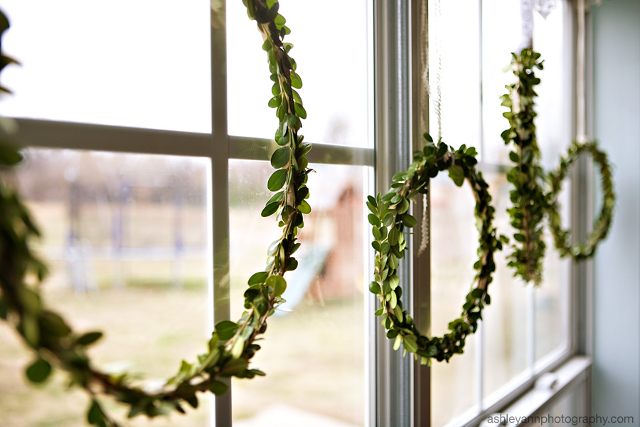 DIY boxwood wreaths.