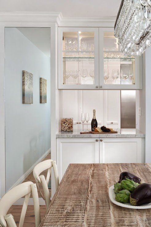 wall paint color is lookout point benjamin moore