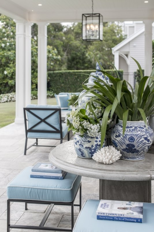 Easy decorating with palm fronds branches and greenery for Hamptons decor