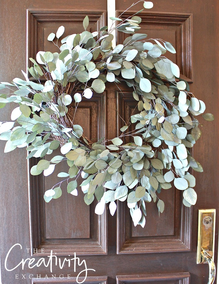 Tutorial for how to make a dried eucalyptus wreath.