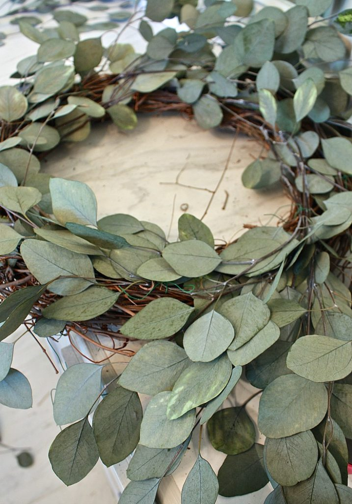 Tutorial for making a eucalyptus wreath.