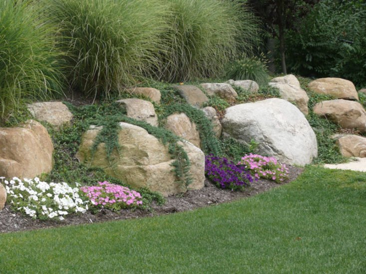 easy ideas for landscaping with rocks. Black Bedroom Furniture Sets. Home Design Ideas