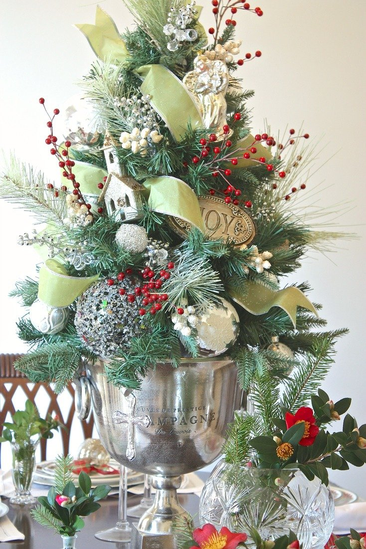 Use these creative christmas decorating tricks this year Creative christmas decorations
