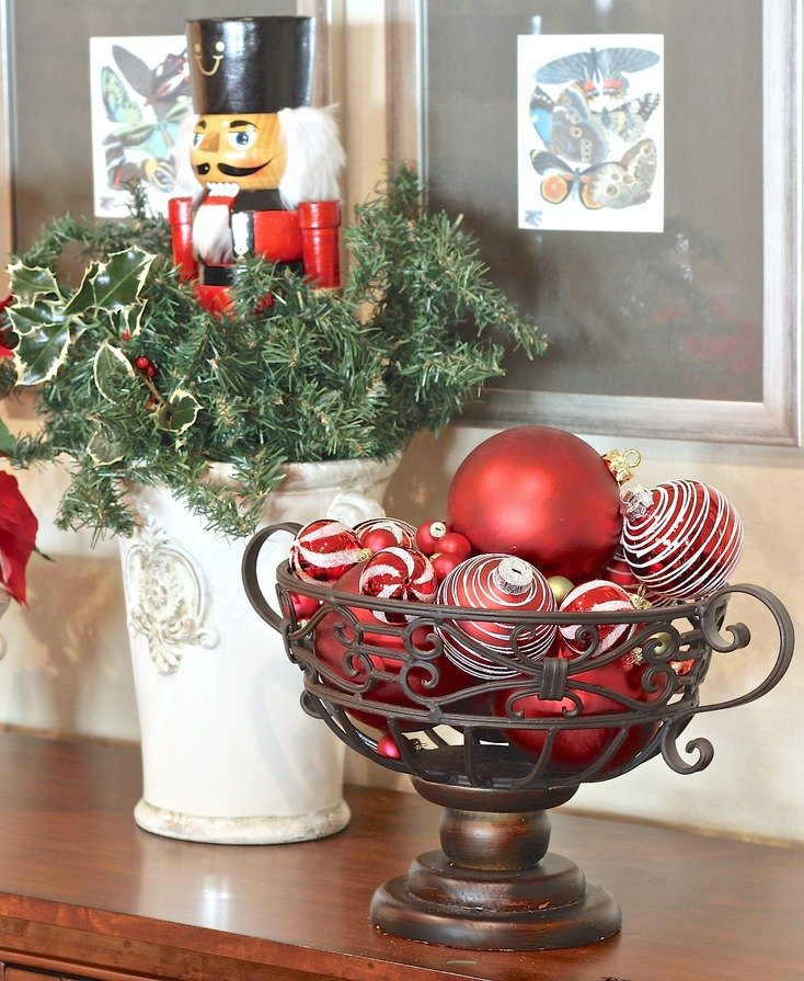 How to make an easy nutcracker arrangement.