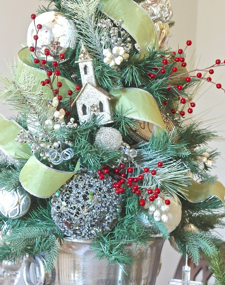 Christmas tree decorating tricks