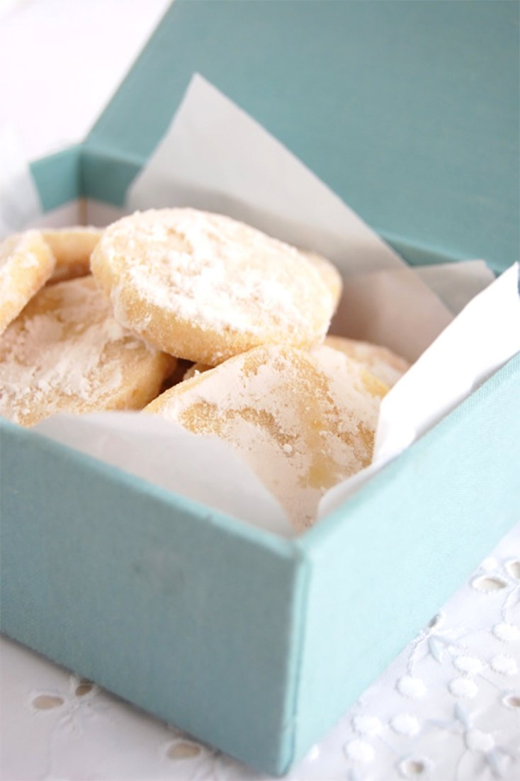 Buttery Lemon Shortbread Cookies