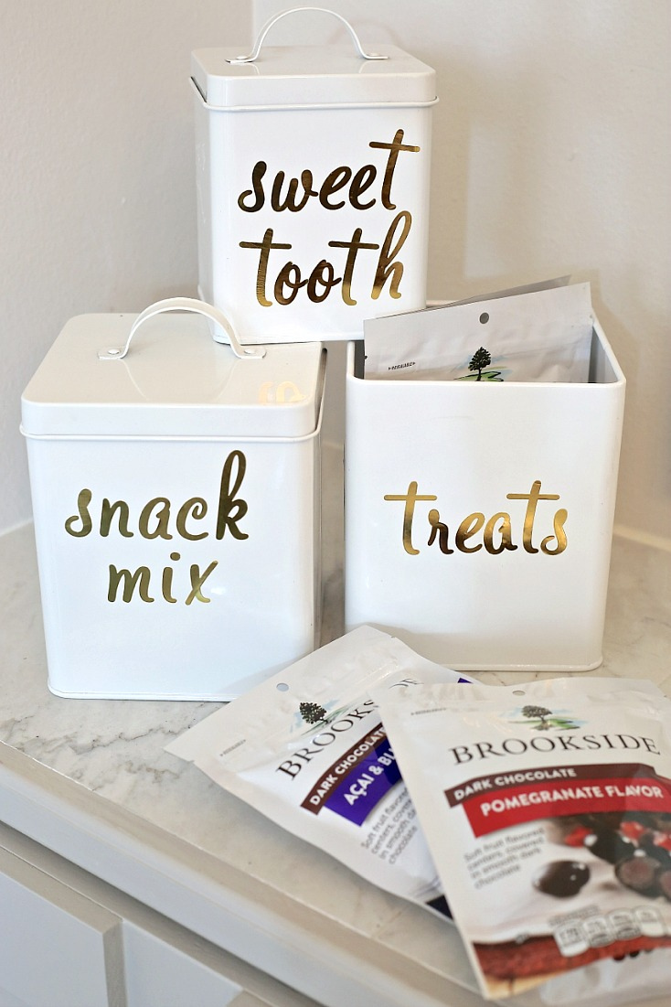 Label tin or plastic containers with permanent gold foil. Great gift idea too!