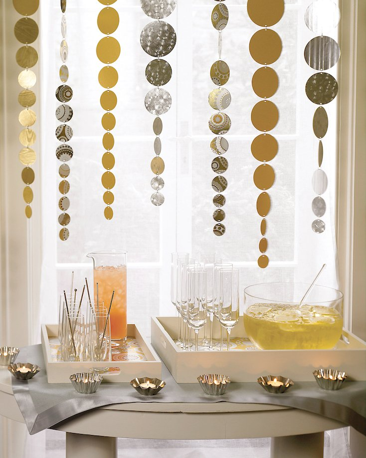 Creative New Year's Eve Drinks and Party Décor