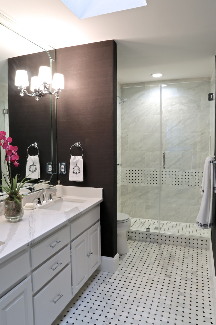 small-bathroom-remodel-with-walk-in-shower-and-black-grasscloth-wallpaper