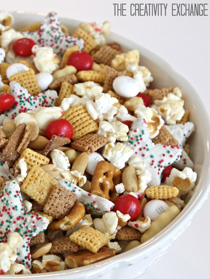 Sweet and Salty Christmas Snack Mix