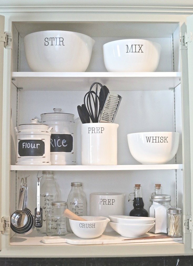 Creative Kitchen Cabinet Organizing.