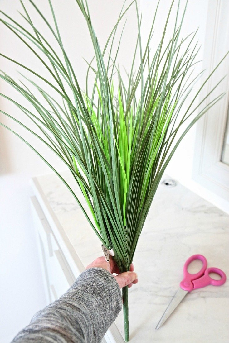Artificial Wheat Grass for Decorating and Styling.