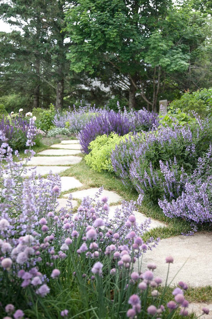 Creative landscape ideas with big impact for Creative landscaping ideas