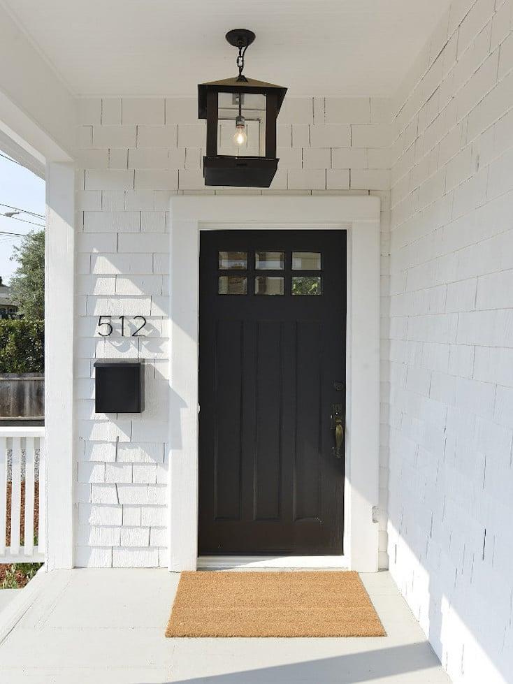 Sherwin-Williams SW 6258 Tricorn Black & Popular Front Door Paint Colors pezcame.com