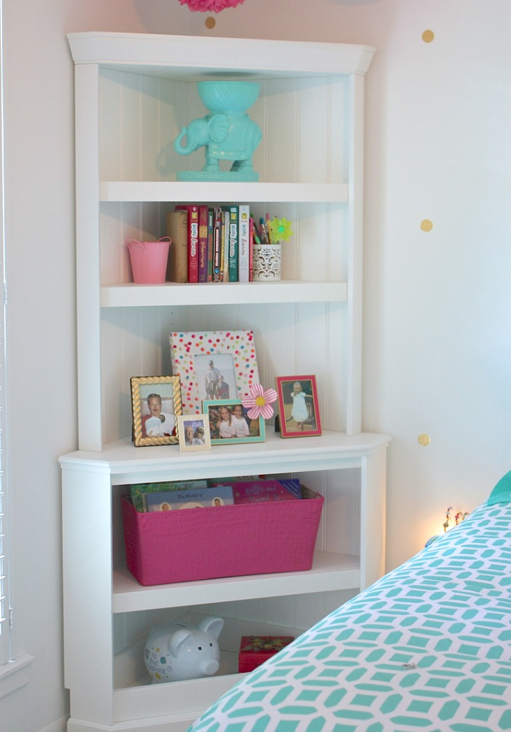 Corner hutch shelving pieces maximize space for kids rooms.