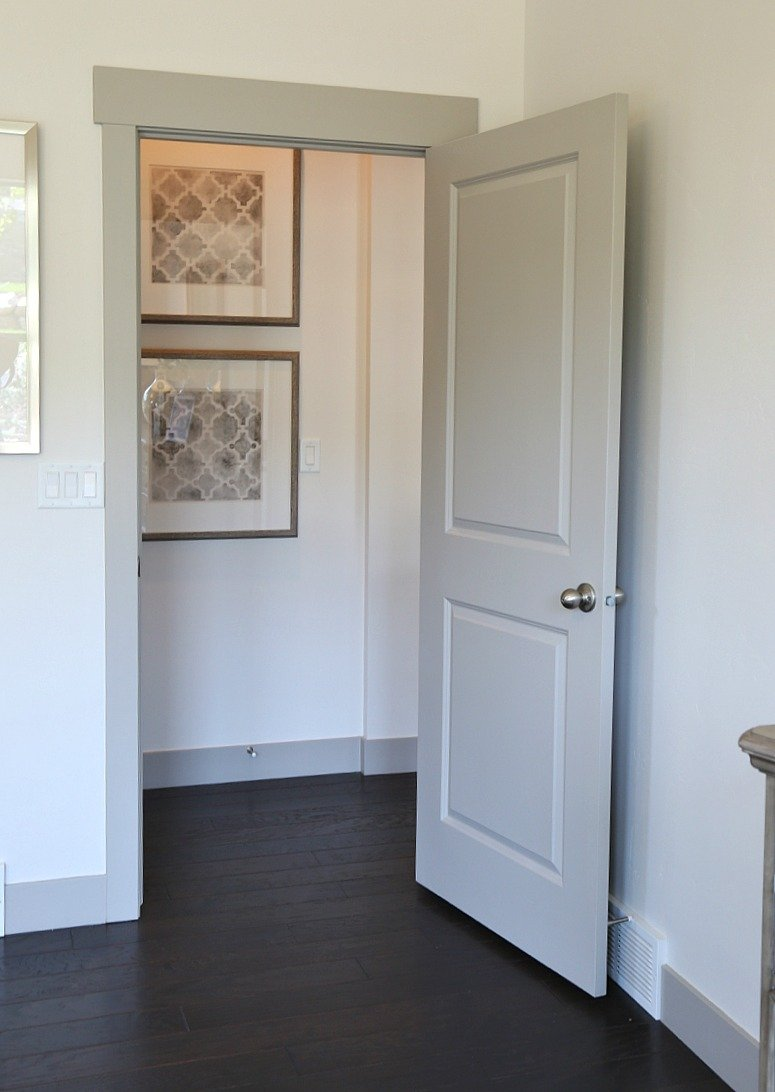Painted door doors painted to create a raised panel look for Images of painted doors