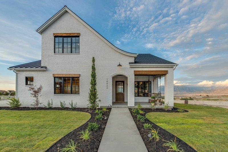 Modern farmhouse by Magleby Communities.