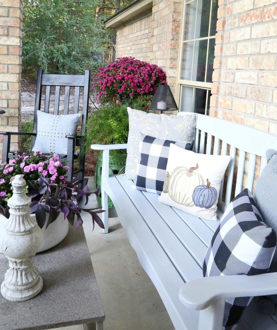 Porch decor for fall.