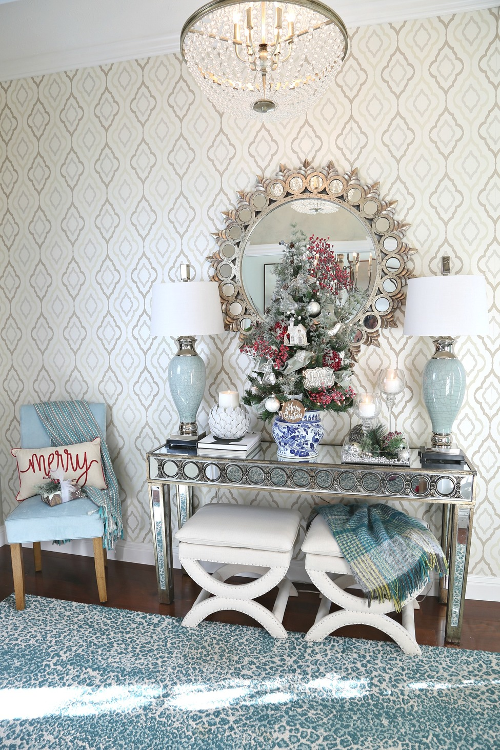 Christmas entryway with tabletop tree.