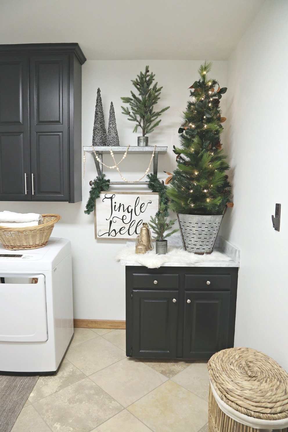 Christmas Laundry Room