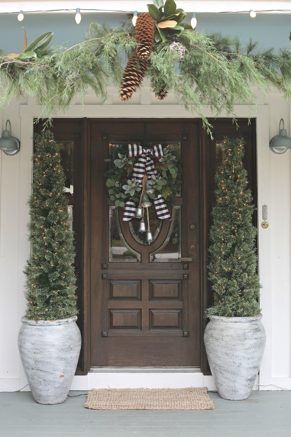 Modern Farmhouse Christmas Front Entry with Wreath.