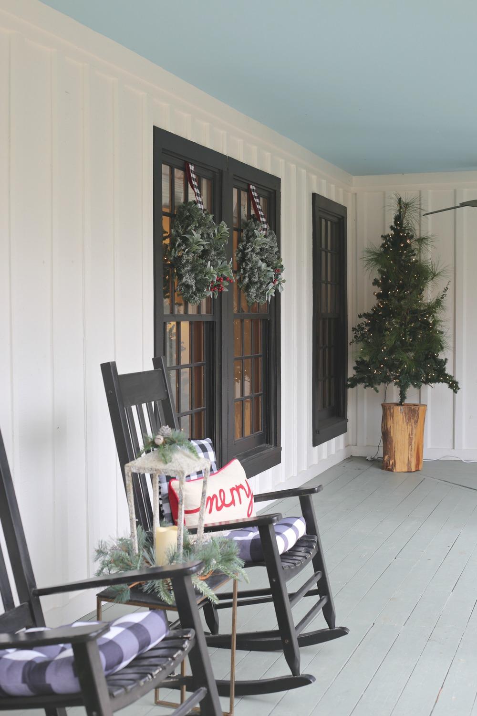 Modern farmhouse Christmas Porch.