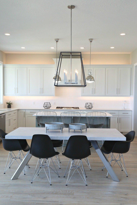 Modern Kitchen Breakfast Nook.