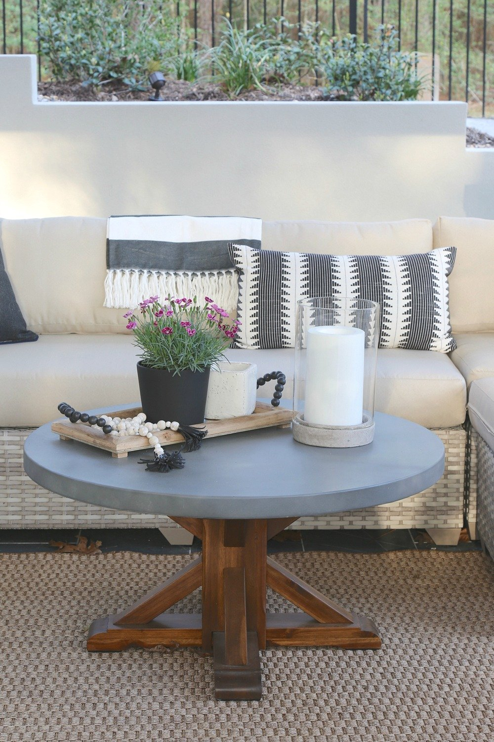 Outdoor Patio Decor and Styling