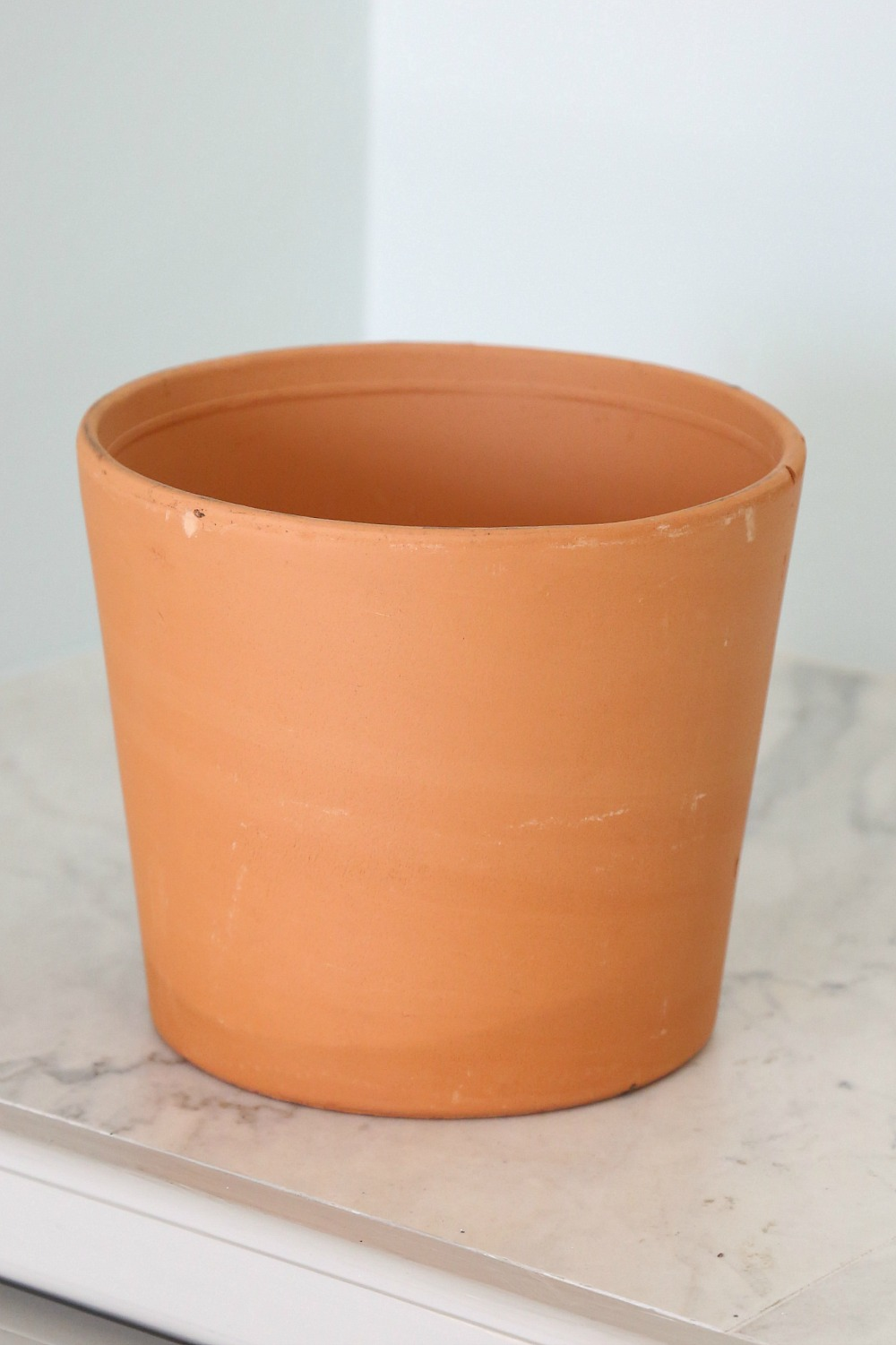 Teracotta pot before being spray painted with Testors CreateFX Spray Paint