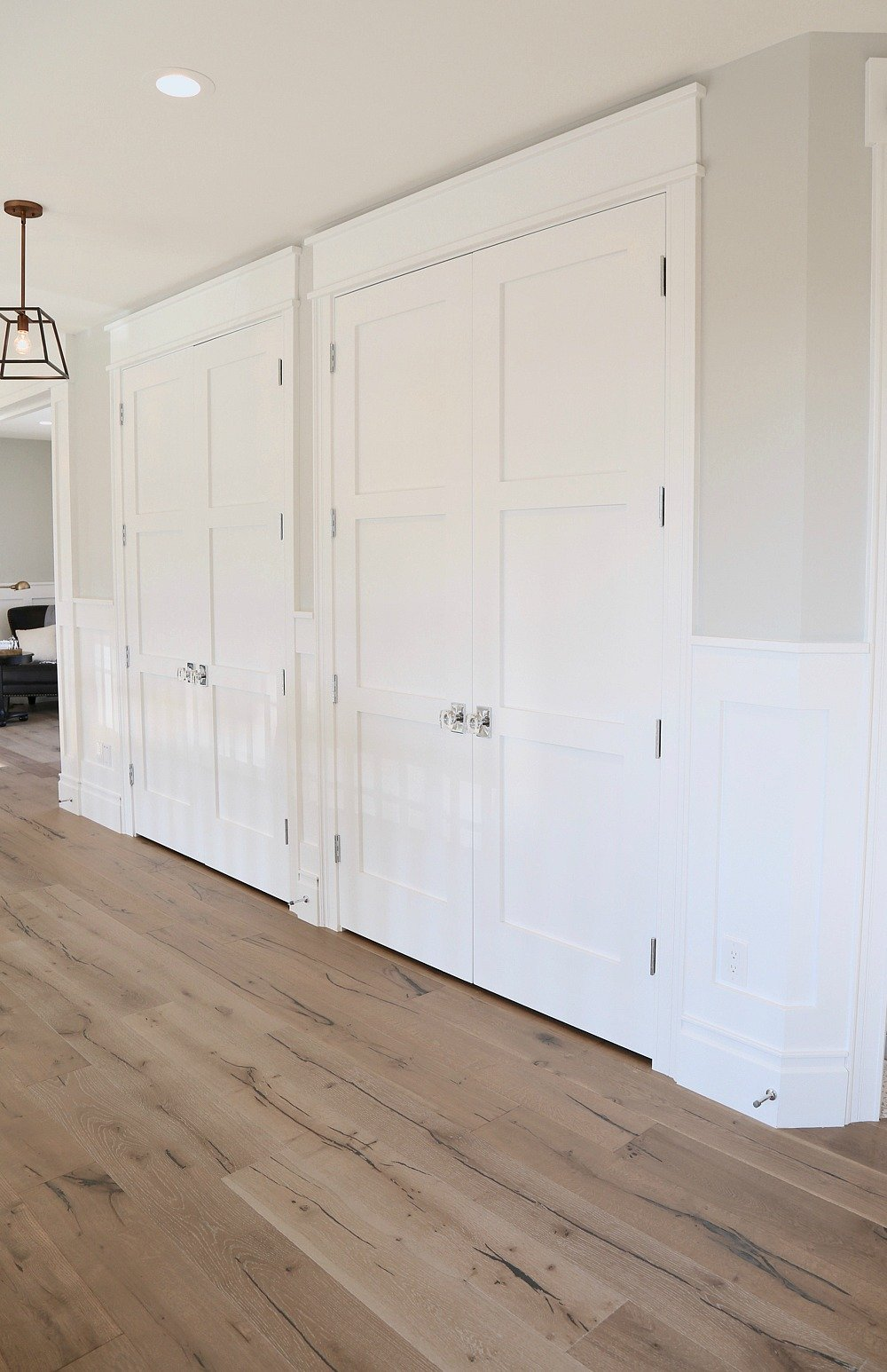Trim And Door Color Is Painted With Benjamin Moore Super White