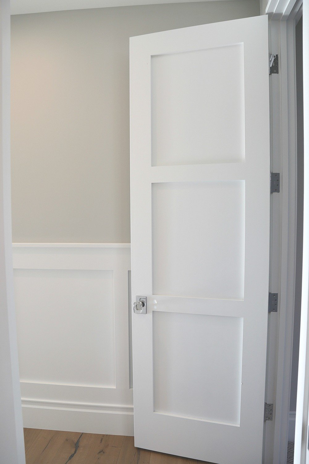 Trim And Door Paint Color Is Benjamin Moore Decorator S White