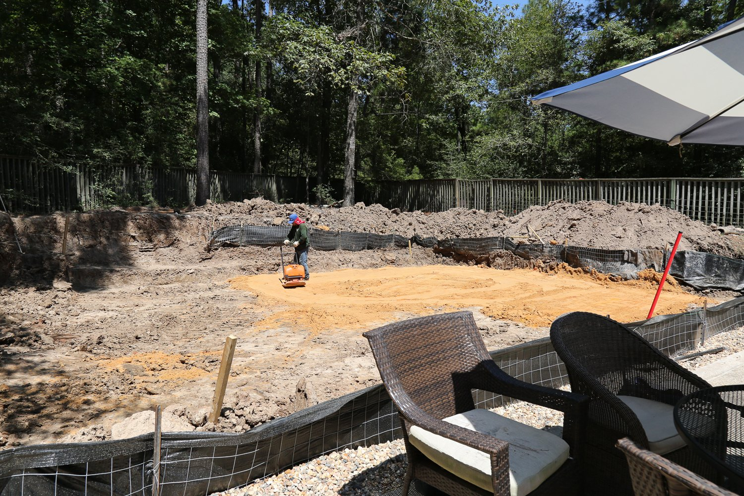 Building an outdoor kitchen and pool house