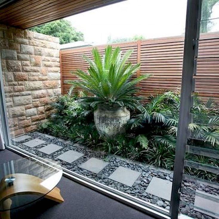 Courtyard Garden Horiztonal Fence