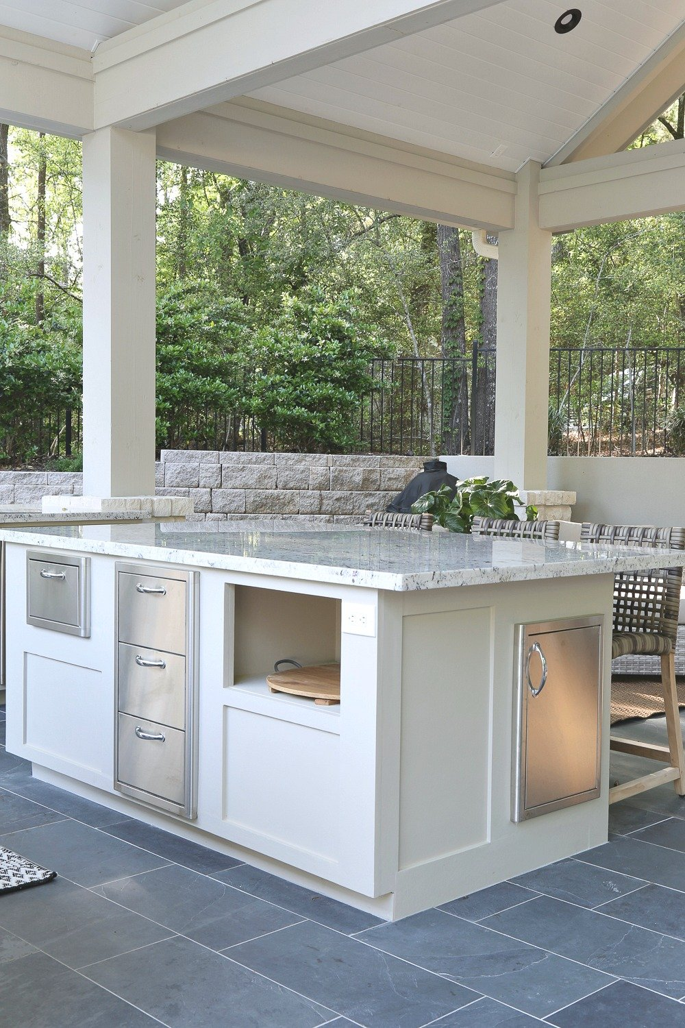 Outdoor kitchen with oversized island