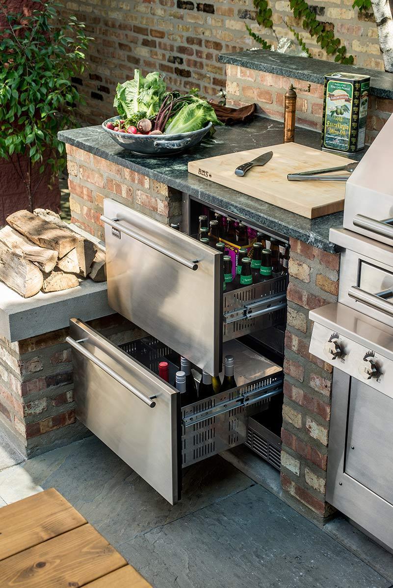 outdoor kitchen beverage cooler