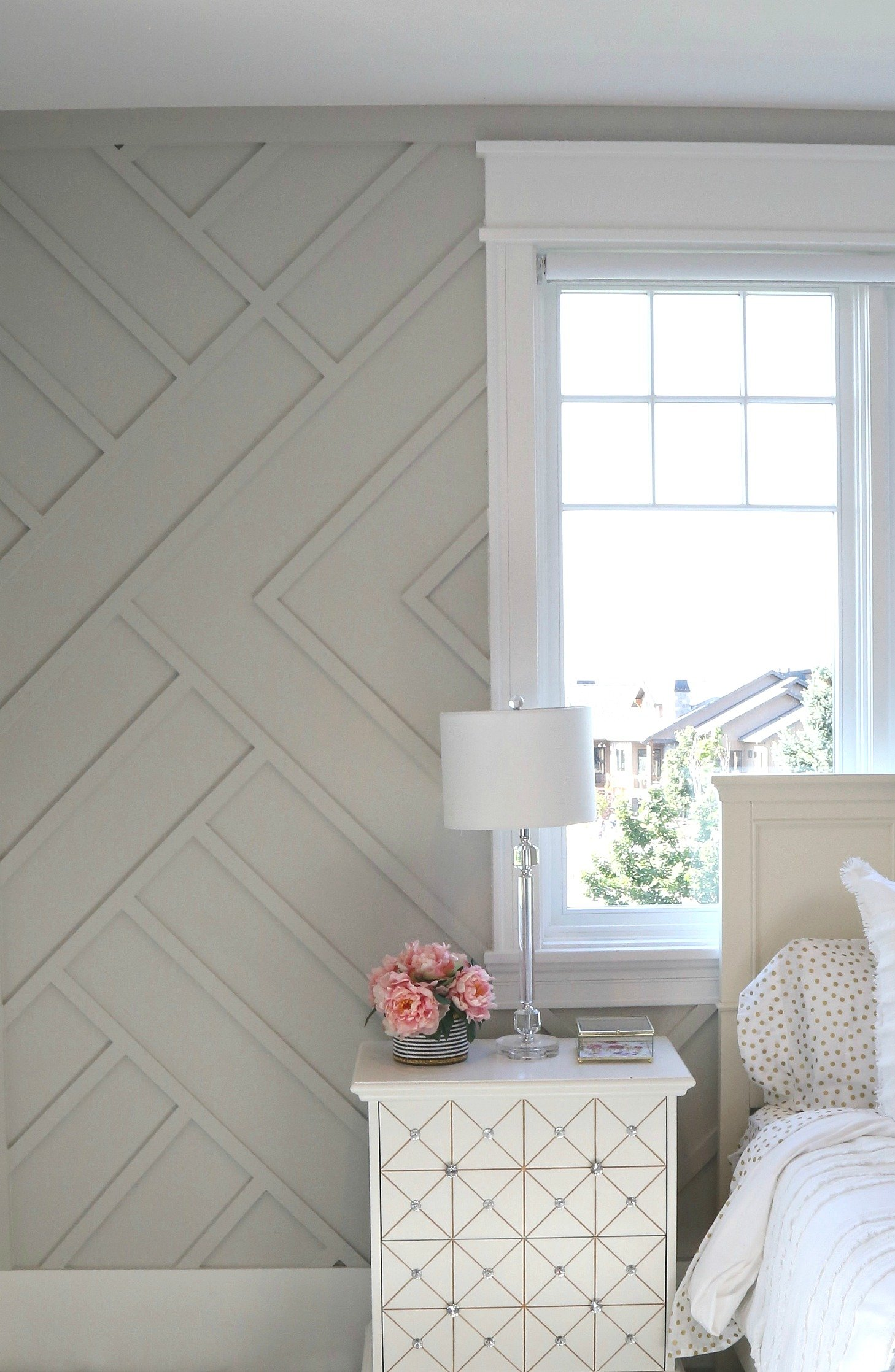 Cool trim work accent wall