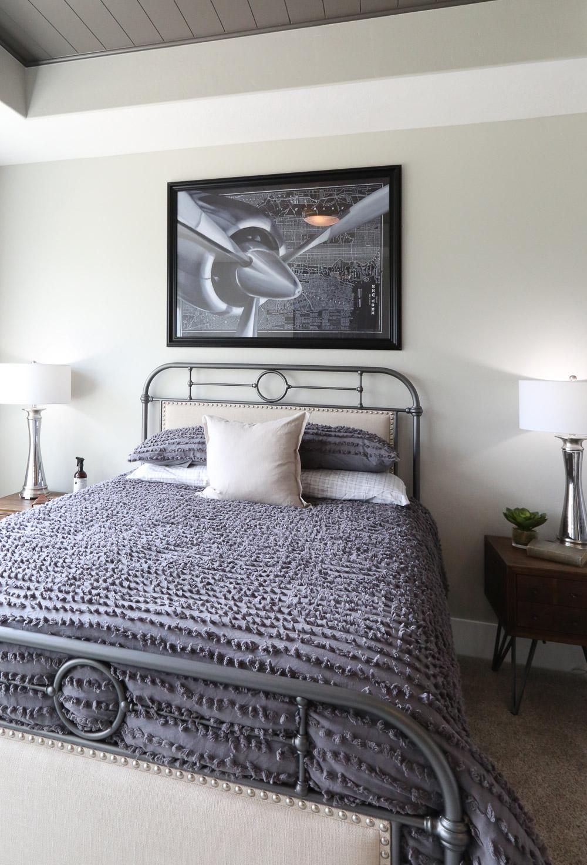 Retro teenage bedroom