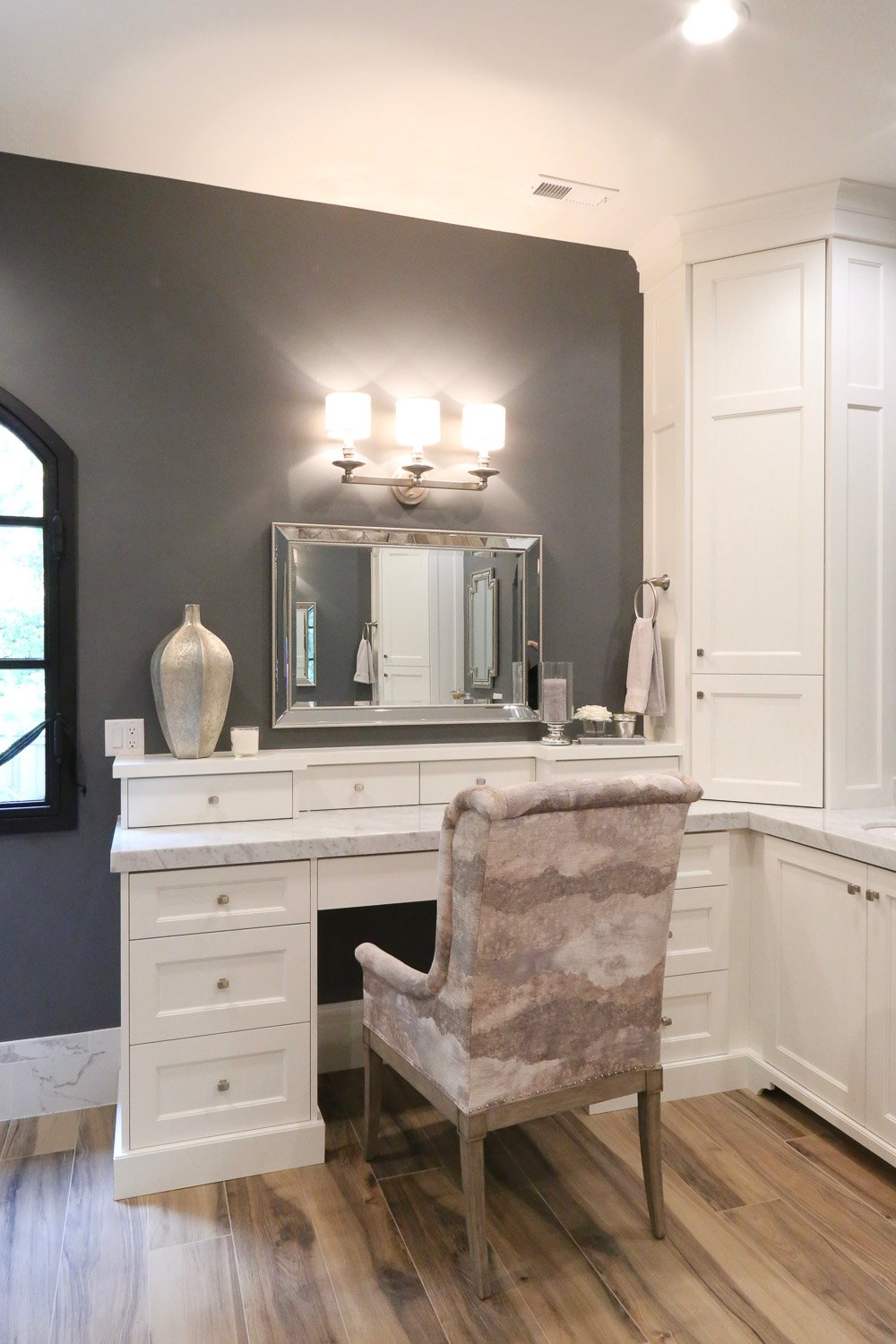 Paint color is Benjamin Moore Trout Gray