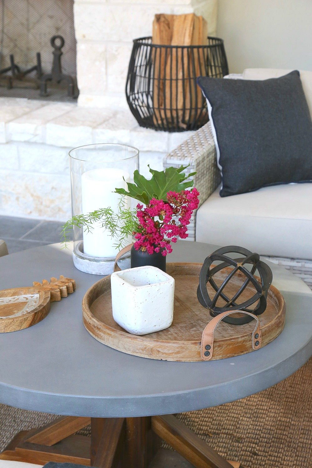Layering trays on outdoor coffee tables and countertops