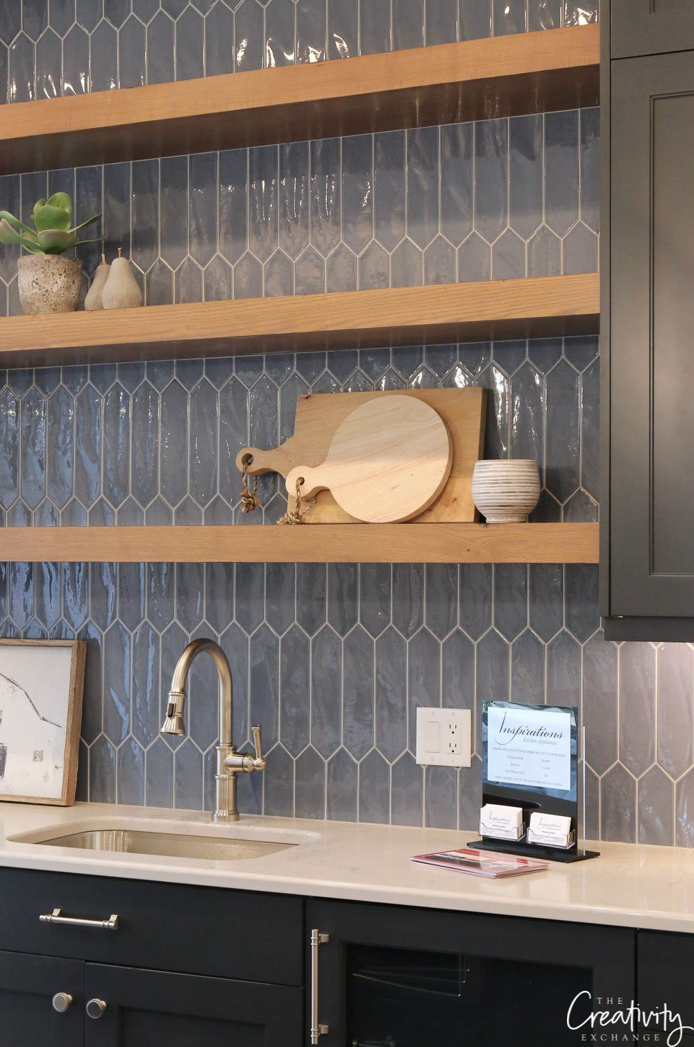 Navy blue kitchen tile