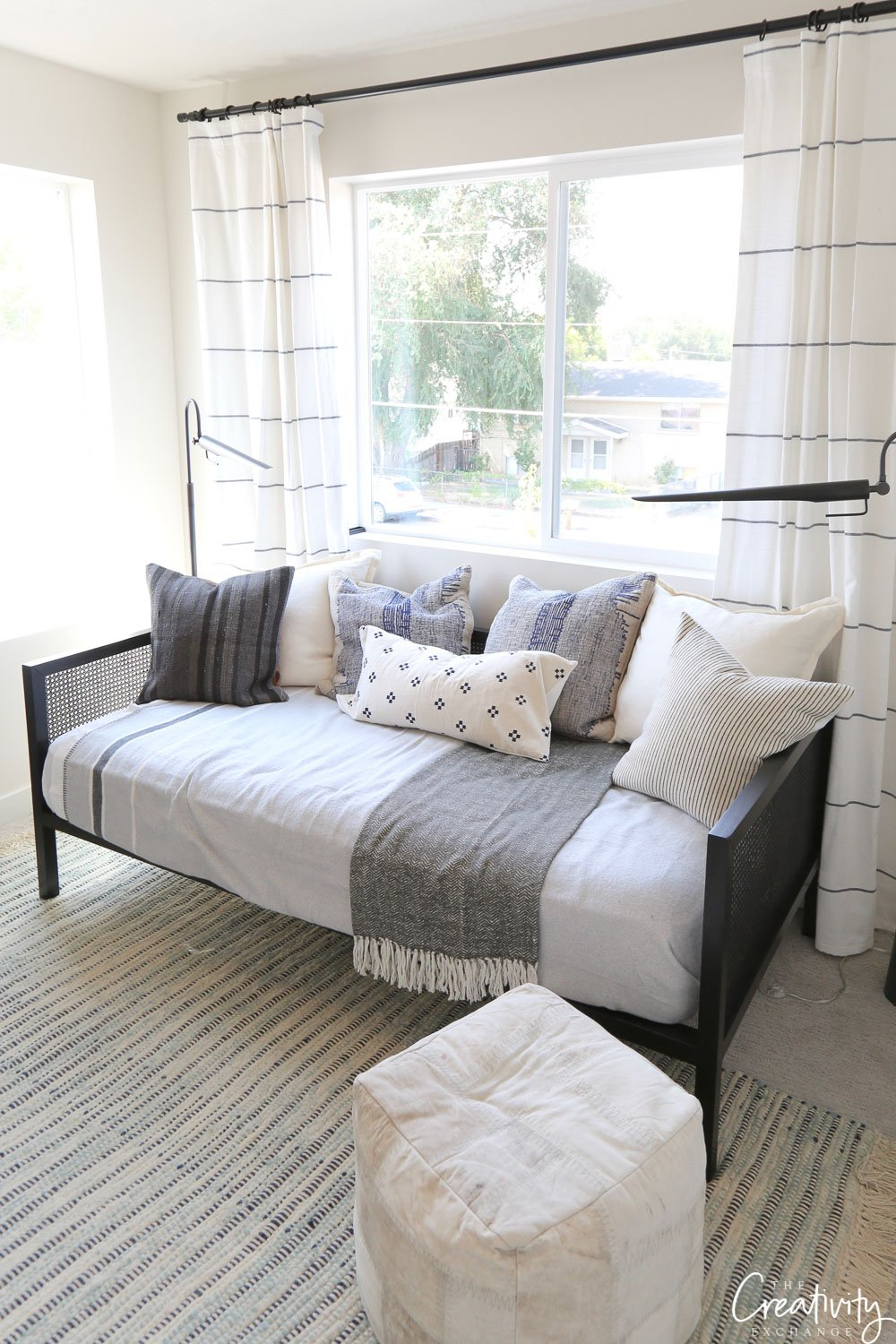 Day bed or sofa