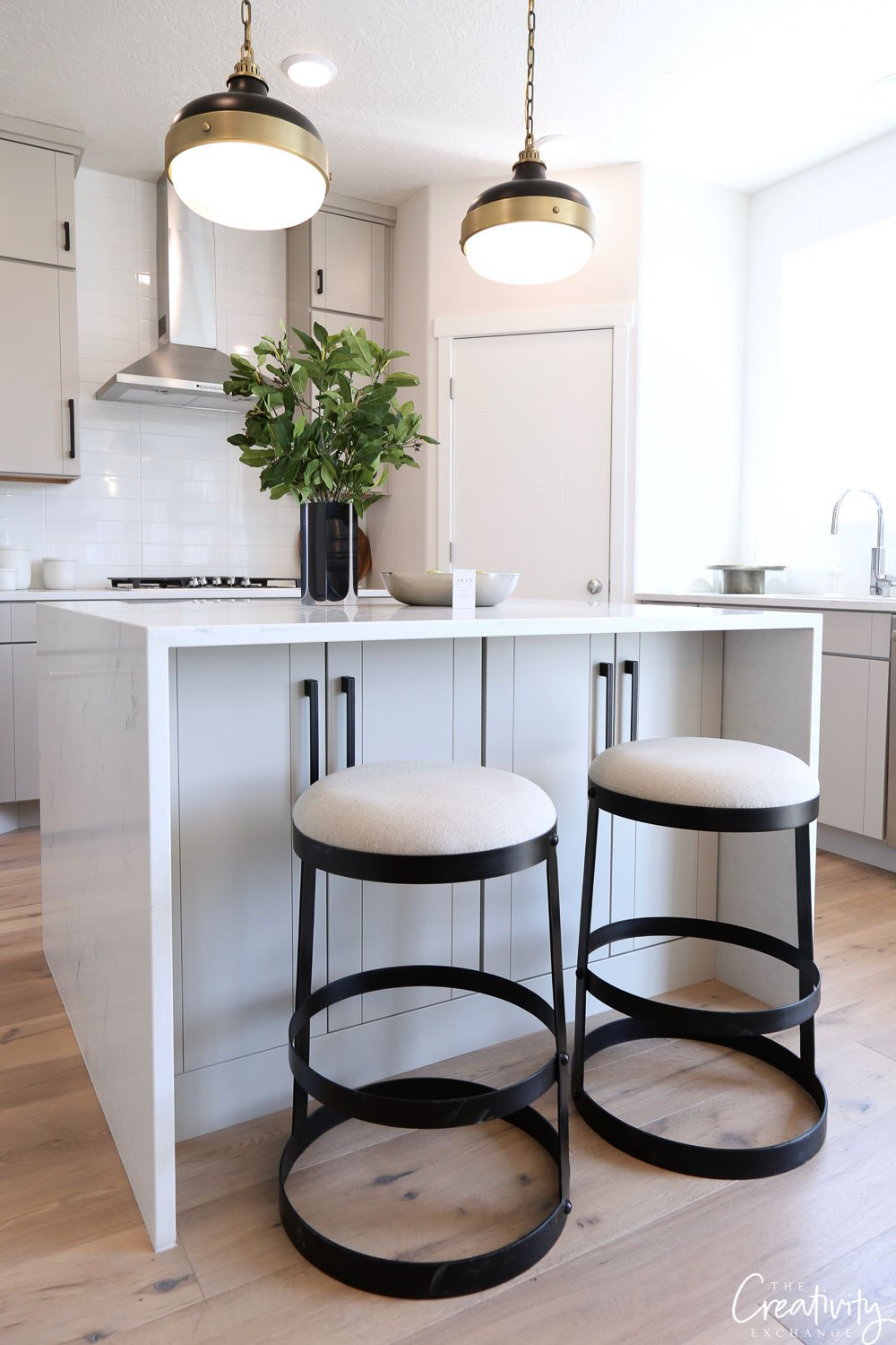 Kitchen stools can make the room