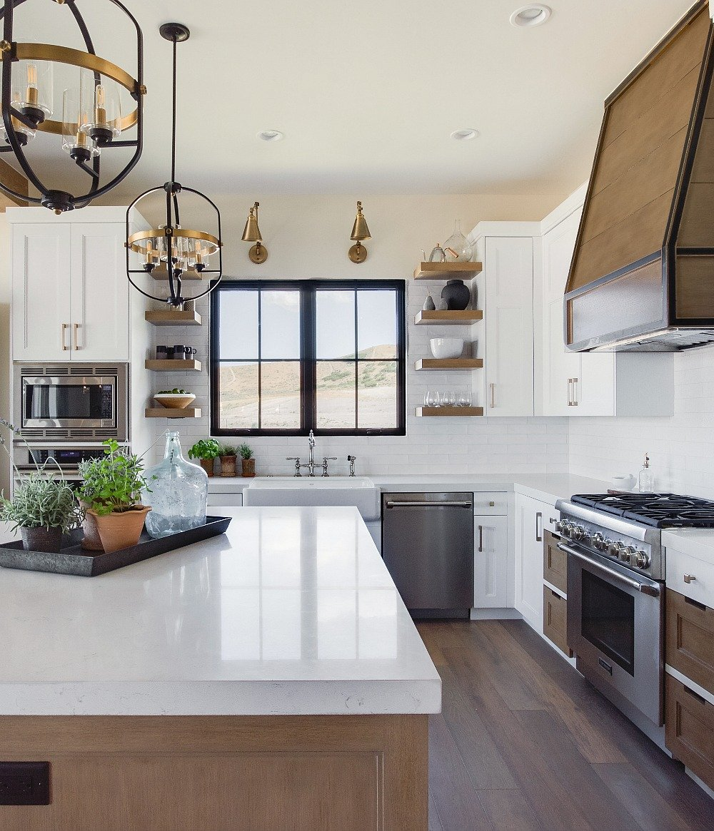 Modern Farmhouse Kitchen Decorating: 2019 Home Design Trends