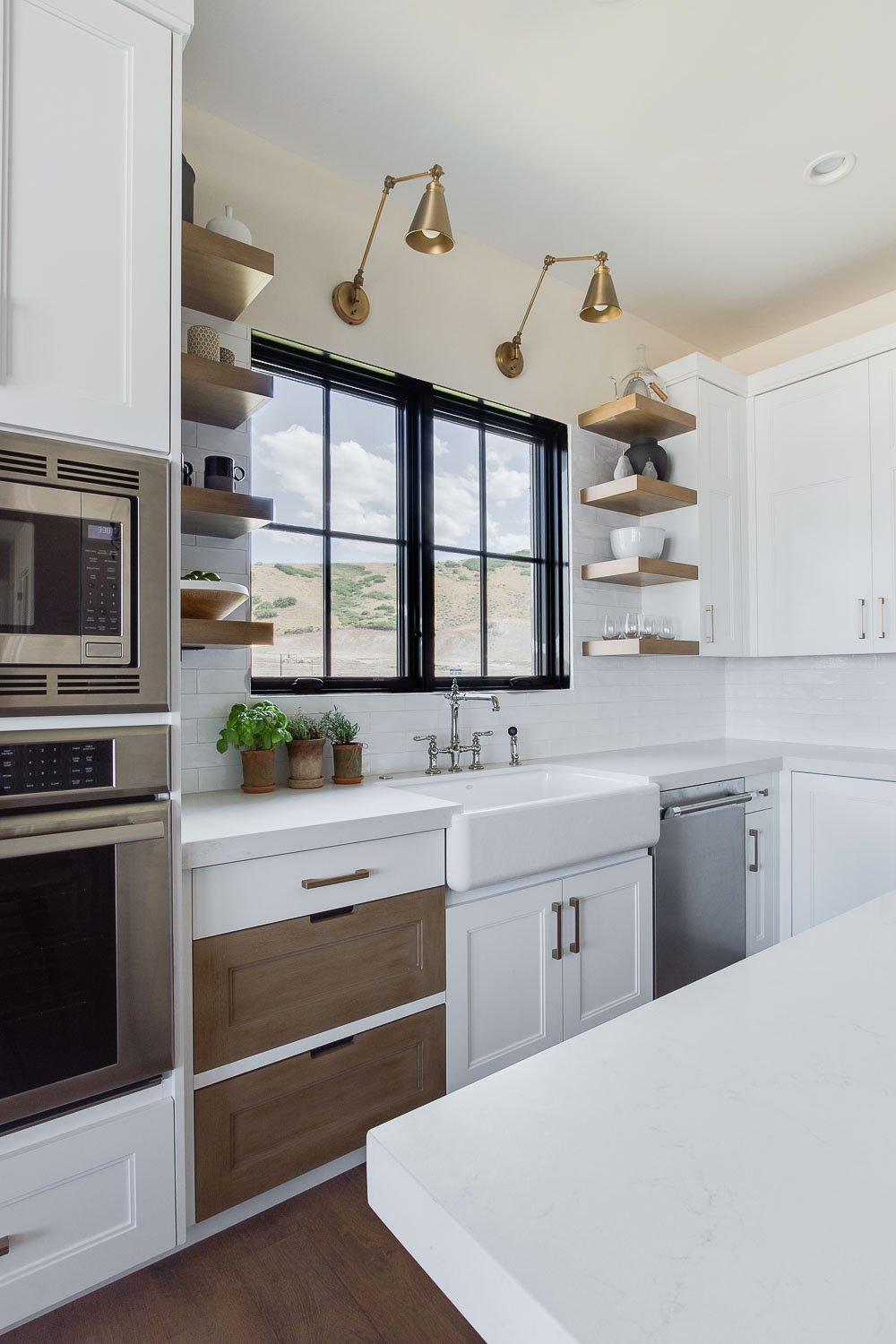 Modern Farmhouse Kitchen. Simons Design Studio