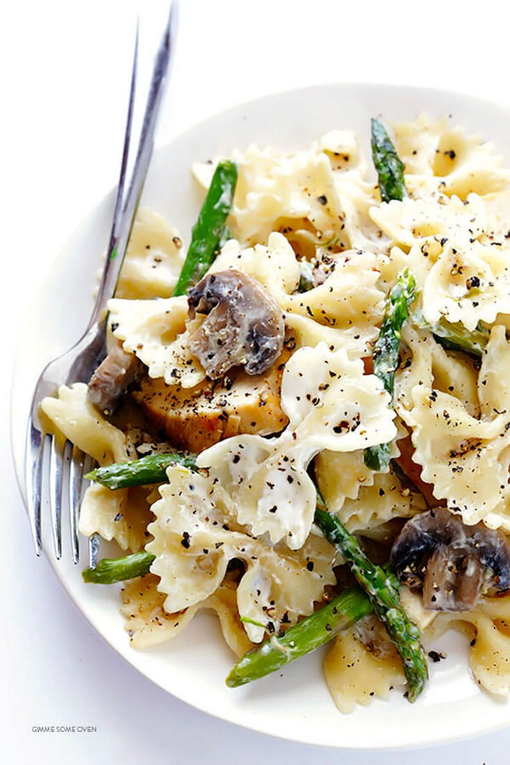 Pasta with Goat Cheese, Chicken, Asparagus, and Mushrooms