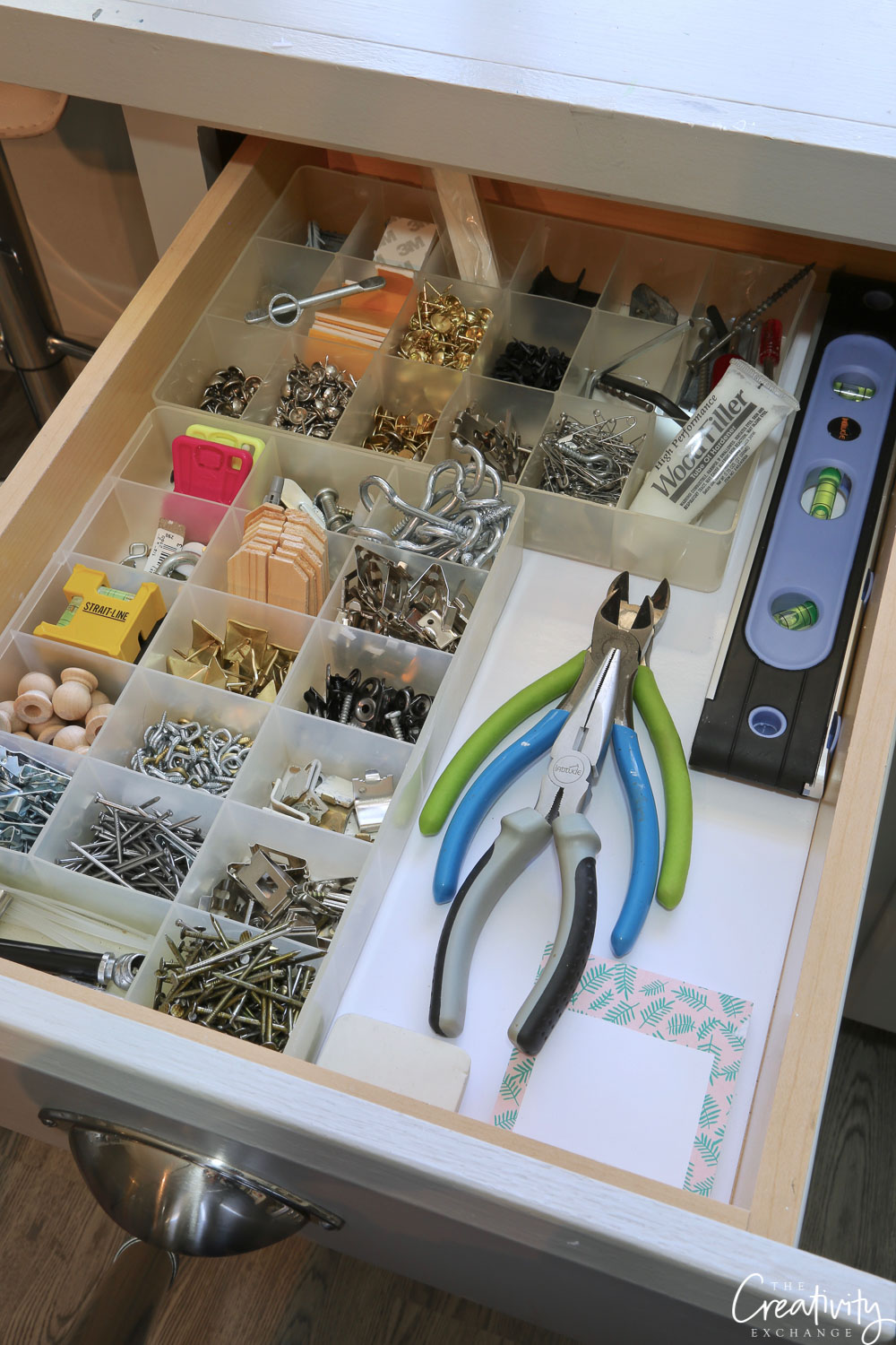 Hardware drawer using bead storage containers